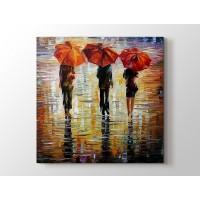 Üç Kırmızı Şemsiye